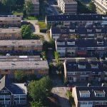 Daken isoleren of zonnepanelen op dak lastig voor Vve's